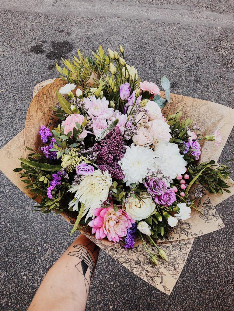 pastelowy-bukiet-okolicznosciowy-kwiaciarnia-badylarz