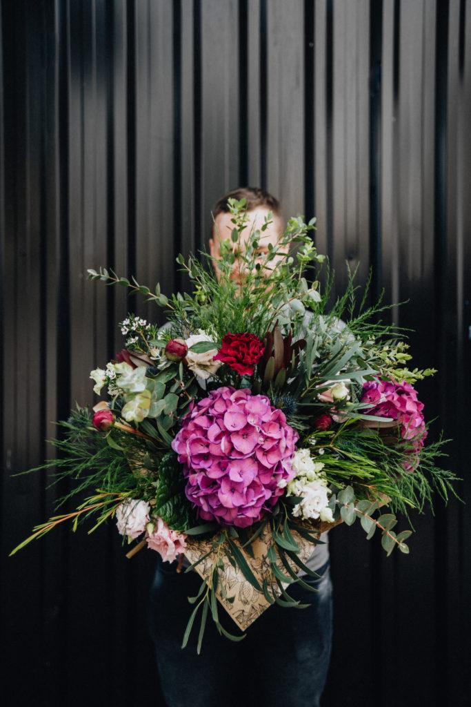duzy-bukiet-kwiatow-hortensja-kwiaciarnia-badylarz