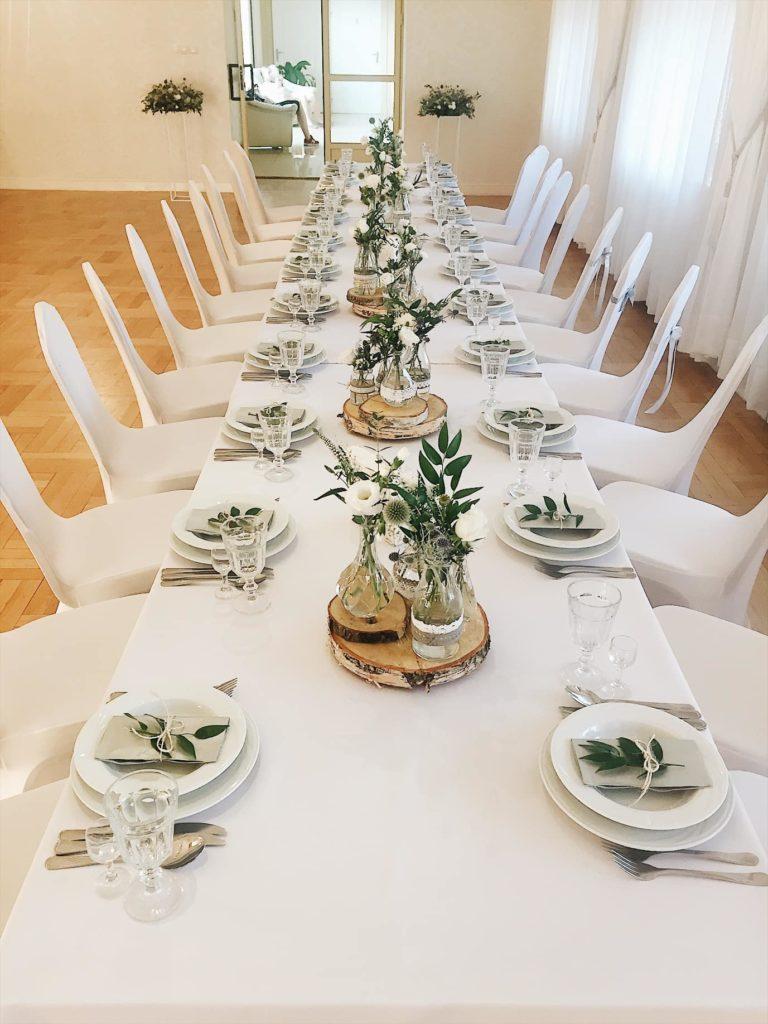 kompozycje-na-stoly-buteleczki-boho-kwiaciarnia-badylarz